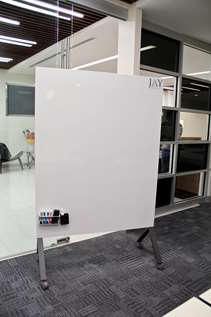 8 - Magentic Mobile Whiteboard for Presentations