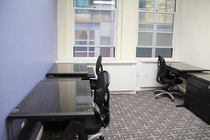 23 - Windowed Office Suite