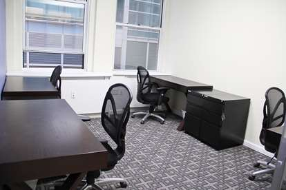 22 - Multi Person Office Suite