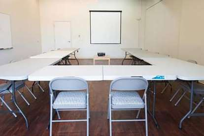 Large Seminar Room U Shape Set-Up
