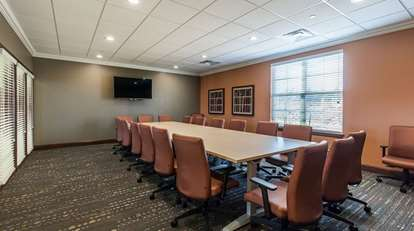 19_Large Conference Room - Executive Config crop